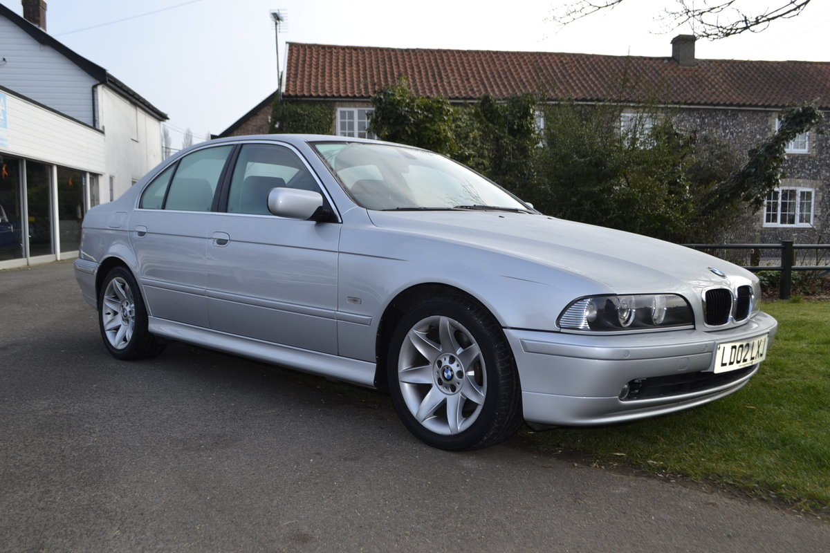 2002 BMW E39 530i SE - ONE OWNER & LOW MILEAGE  SOLD (picture 1 of 16)