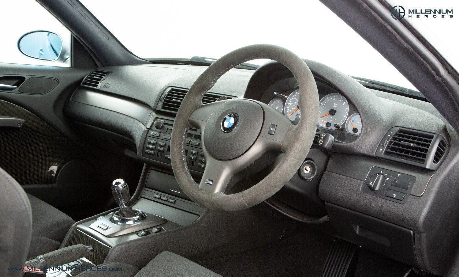 2004 BMW M3 CSL // FULL MAIN DEALER HISTORY // BMW WARRANTY For Sale (picture 4 of 6)