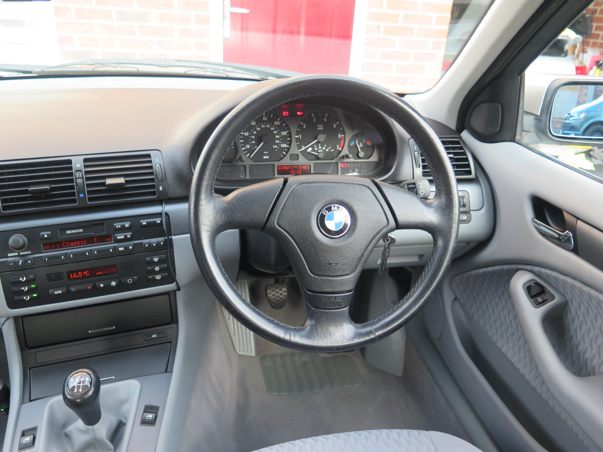 BMW 318iSE 4 door saloon 1999 only 36000miles fsh. For Sale (picture 3 of 6)