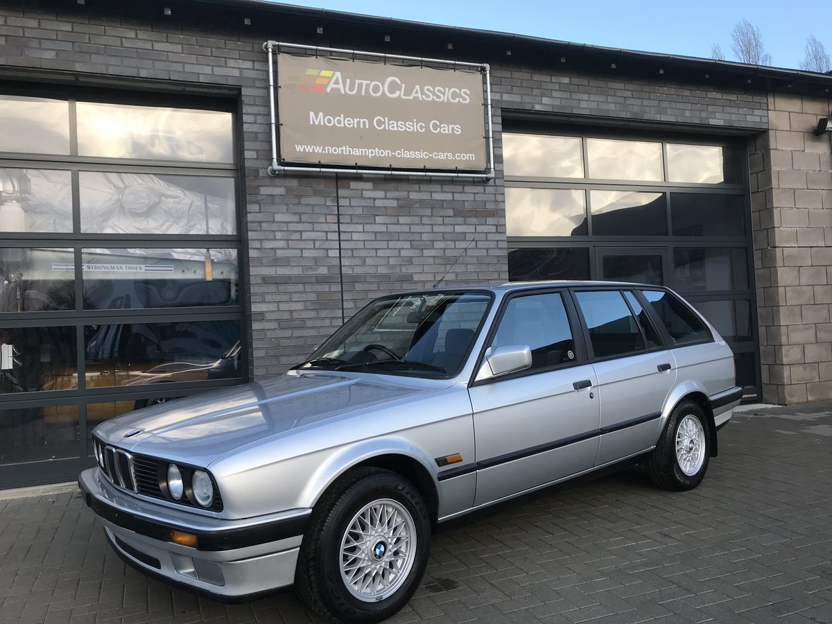 1990 BMW 318i Touring, Full History, Three Owners   SOLD (picture 1 of 6)