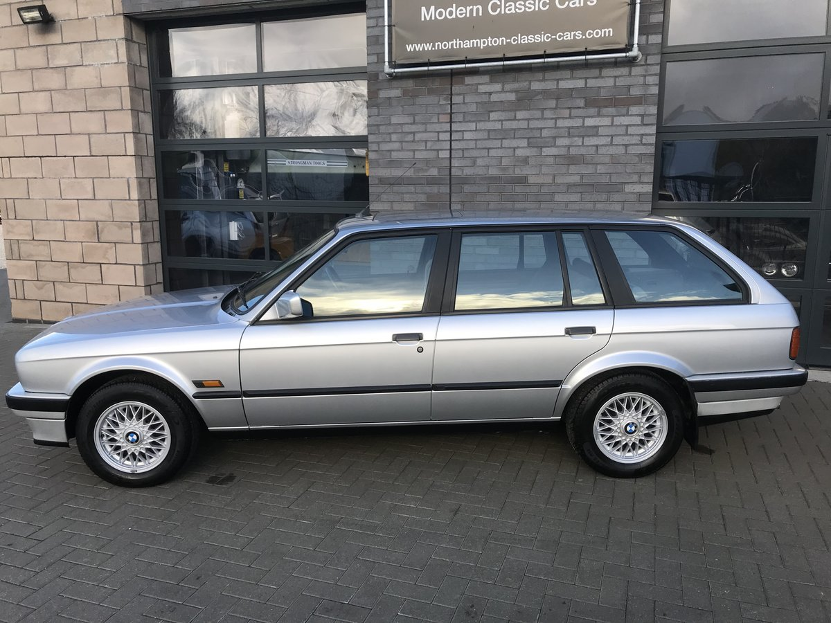 1990 BMW 318i Touring, Full History, Three Owners   SOLD (picture 3 of 6)