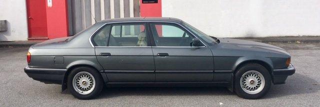 BMW 750 iL V12 (E32) 1989