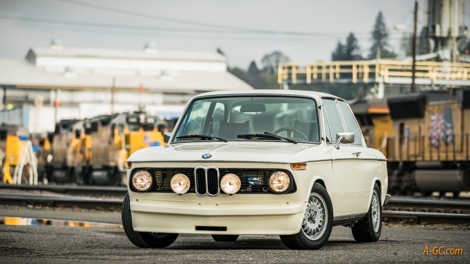 1974 BMW BMW 2002Tii  = Ivory(~)Navy 24k miles work done $32k For Sale (picture 1 of 6)