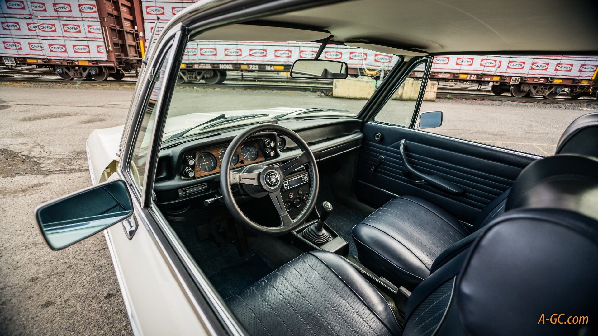 1974 BMW BMW 2002Tii  = Ivory(~)Navy 24k miles work done $32k For Sale (picture 3 of 6)