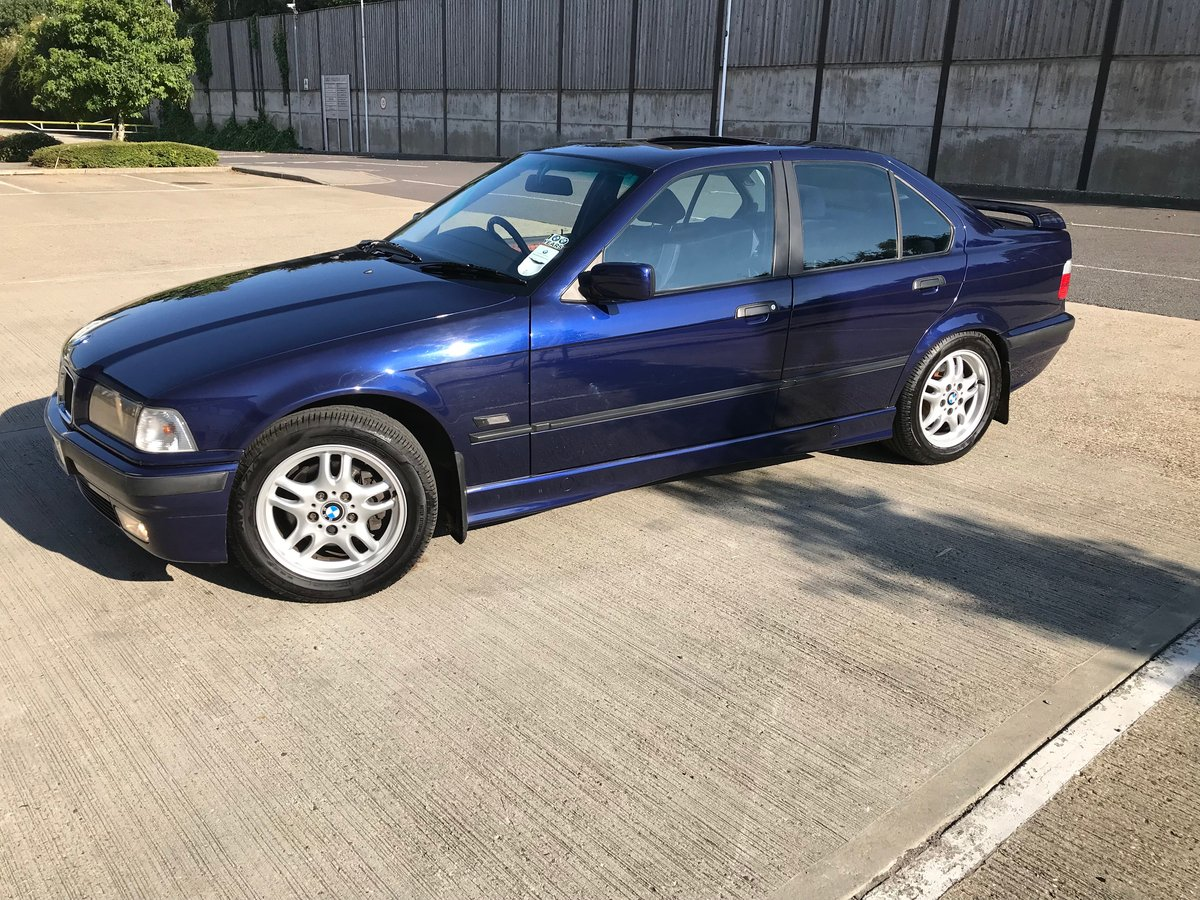 1996 BMW 320iSE Saloon AUTO, Metallic Blue For Sale (picture 2 of 6)