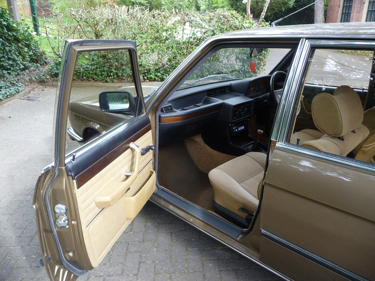 1981 Probably the best BMW E12 528i Manual available !! For Sale (picture 4 of 6)