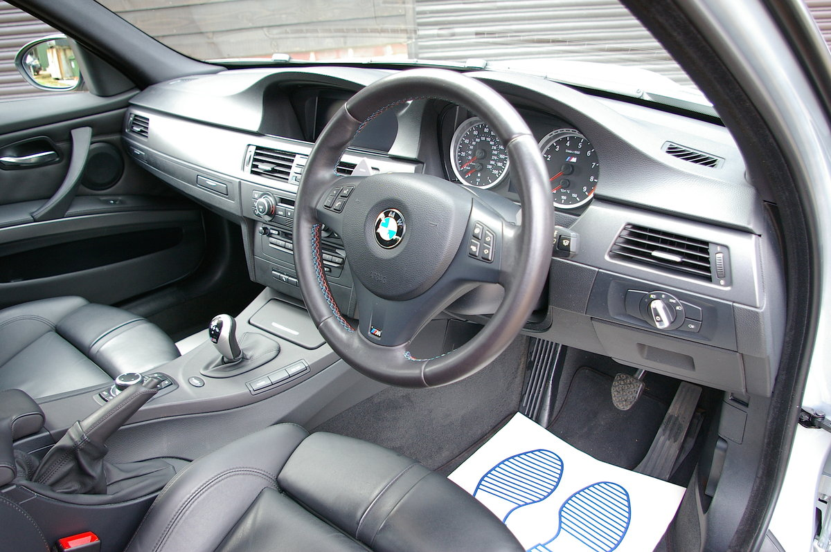 2009 BMW E90 M3 4.0 V8 DCT Saloon Automatic (34,689 miles) SOLD (picture 4 of 6)