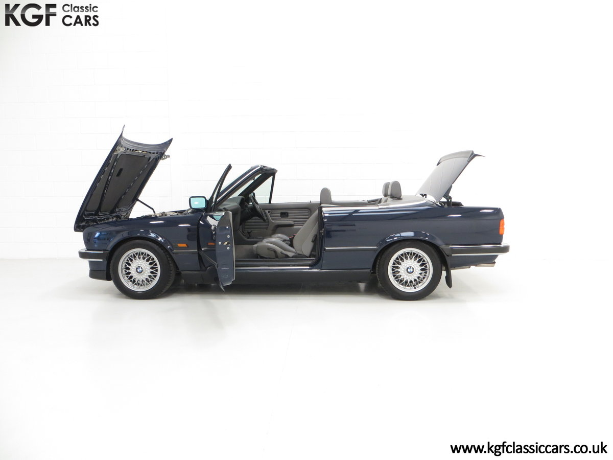 1990 A Stunning Pre-Facelift BMW E30 325i Convertible SOLD (picture 3 of 6)