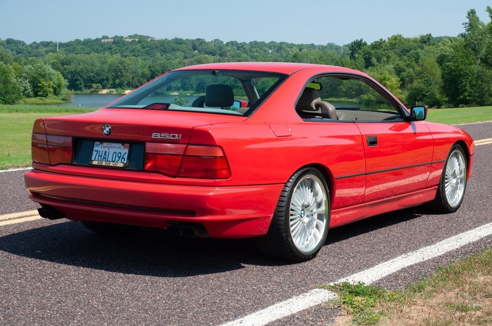 1991 BMW 850i = Six-speed Manual Clean Red 111k milles $30.9 For Sale (picture 5 of 6)