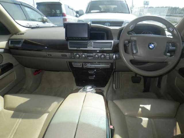 2007 BMW 7 SERIES 750i 4.8 AUTOMATIC * RARE WHITE * SUNROOF *  For Sale (picture 3 of 6)