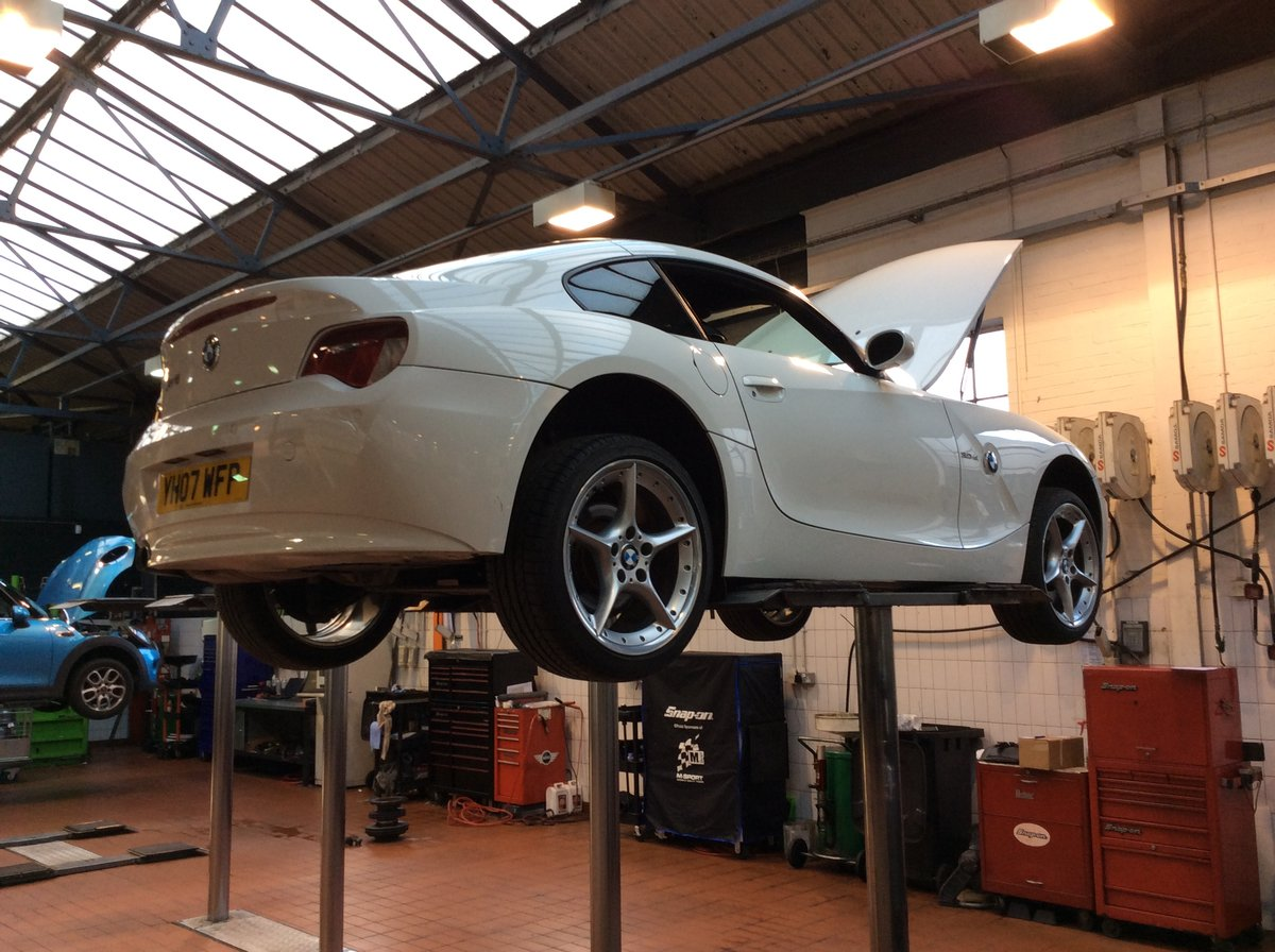 2007 BMW Z4 3.0 litre Si Sports Coupe 6 Speed Manual For Sale (picture 4 of 6)
