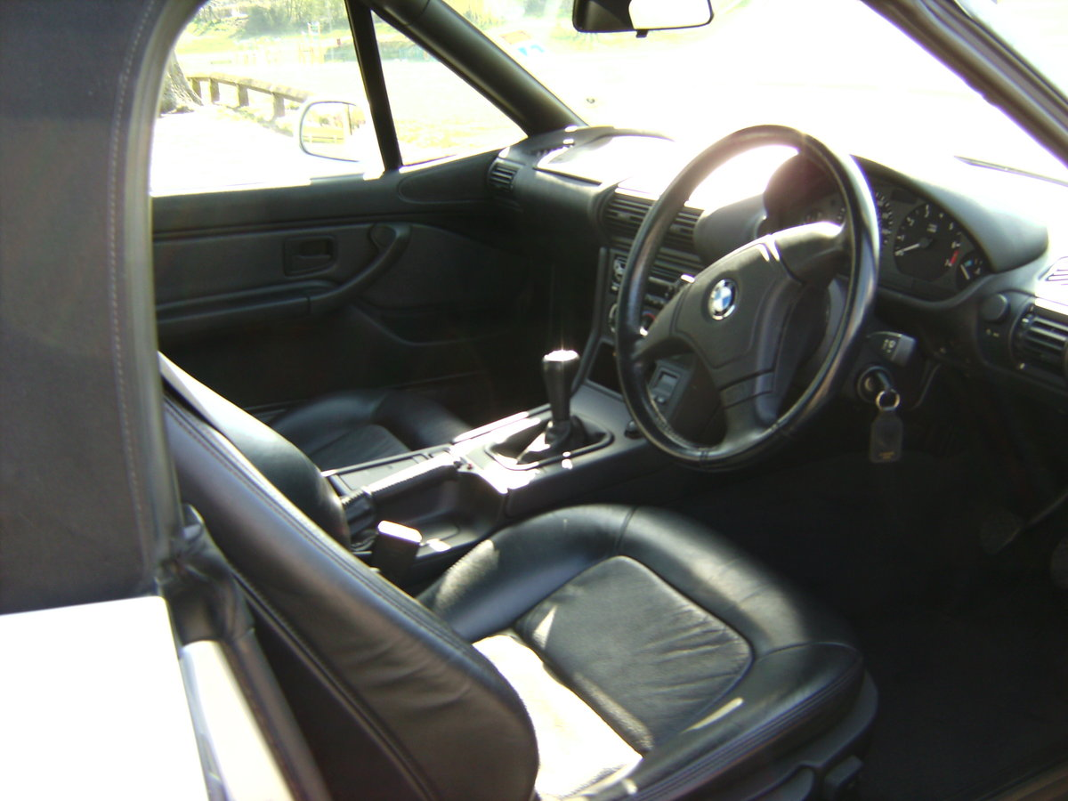 1997 BMW Z3 1.9 ROADSTER VERY LOW MILES 11200 For Sale (picture 6 of 6)