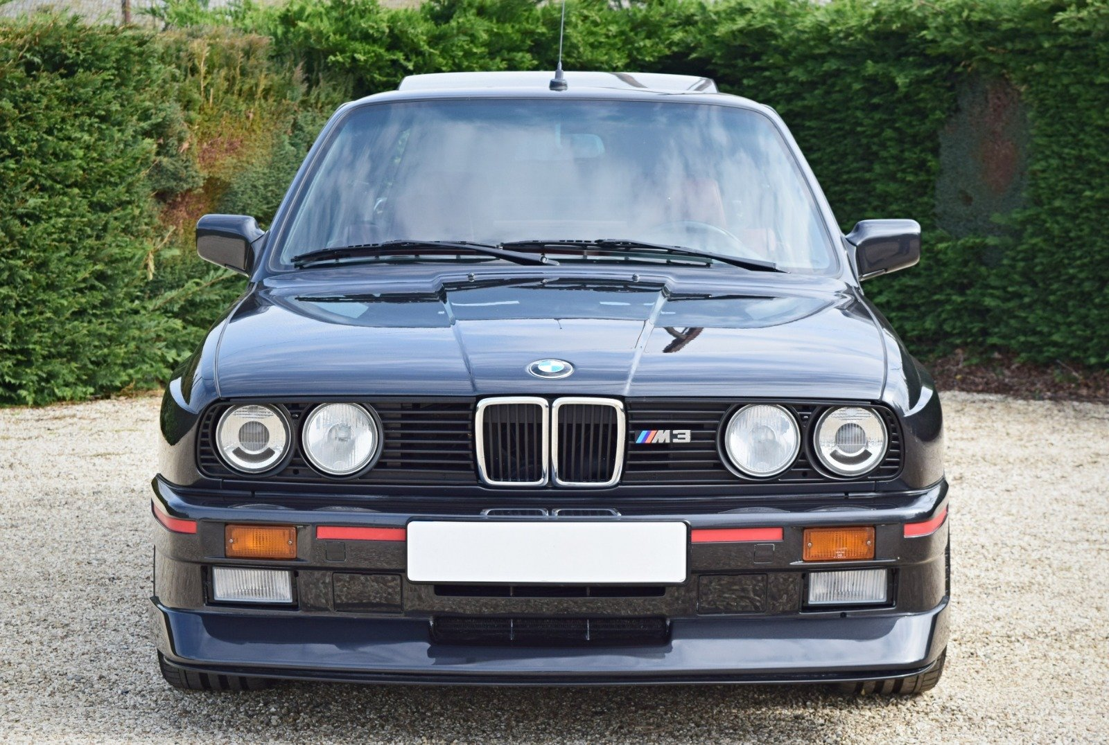 BMW M3 E30 2.3 PETROL MANUAL 1992/K BLACK For Sale (picture 3 of 6)