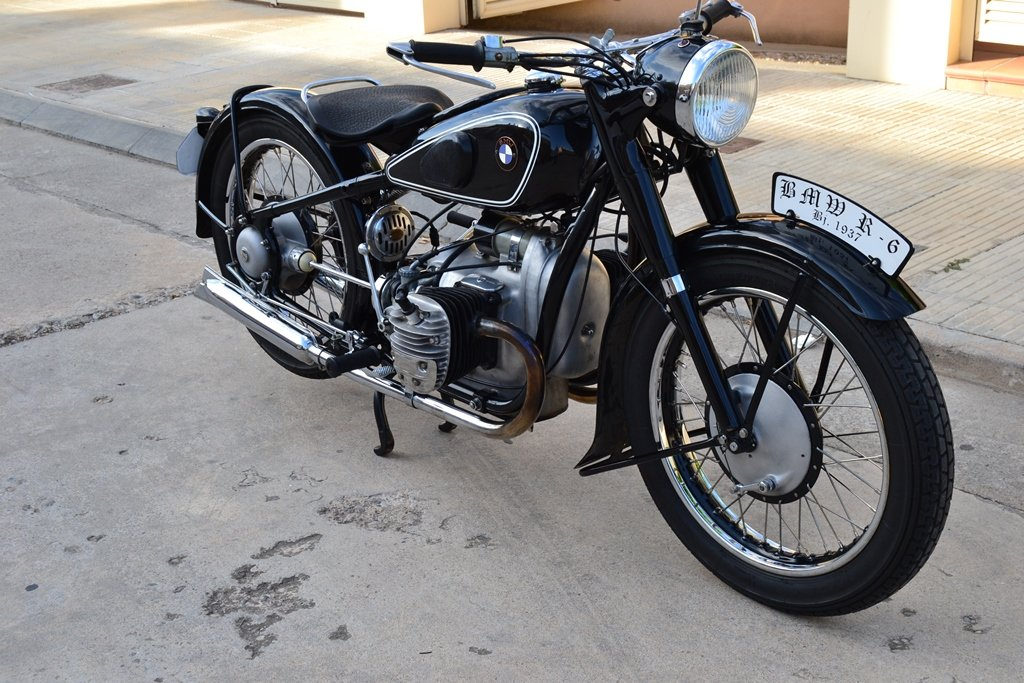One Year Only - 1937 BMW R6 For Sale (picture 1 of 6)