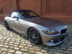 BMW Z4 CONVERTIBLE 2.5 AUTO * RARE COLOUR SOFT TOP *