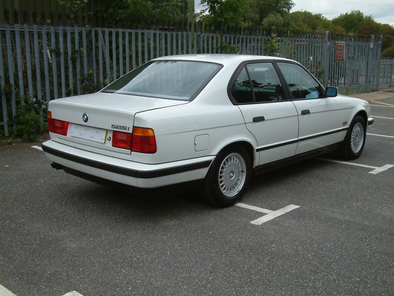 Classic 1994 BMW E34 525i Auto 65000 miles For Sale (picture 3 of 6)