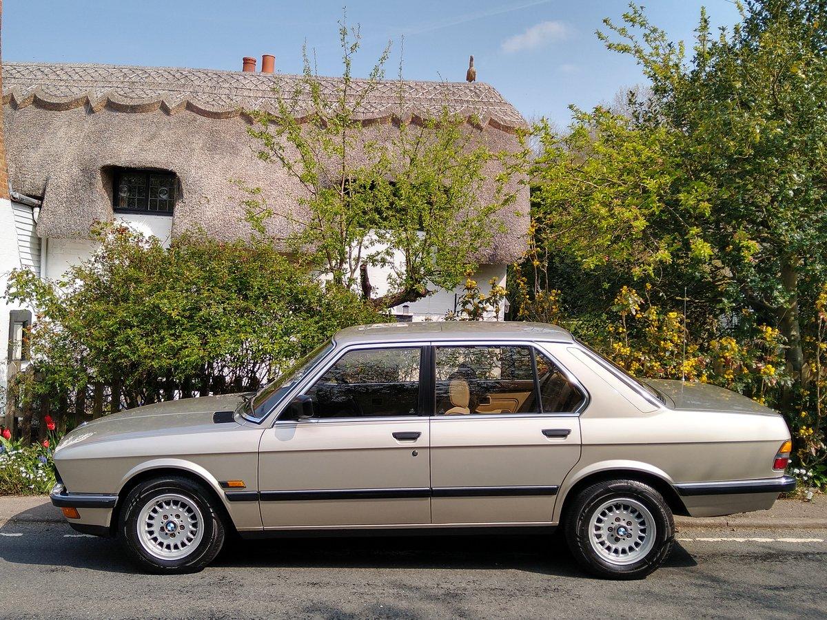 MOTEUR PAS A PAS BMW SERIE 5 E28 E34 520i 525e 535i