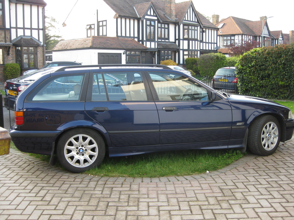 1995 BMW Touring SE Manual SOLD (picture 1 of 6)
