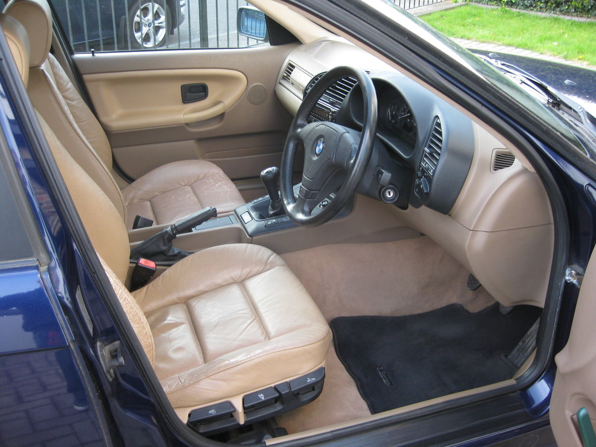 1995 BMW Touring SE Manual SOLD (picture 2 of 6)