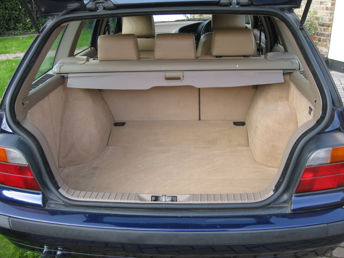 1995 BMW Touring SE Manual SOLD (picture 4 of 6)
