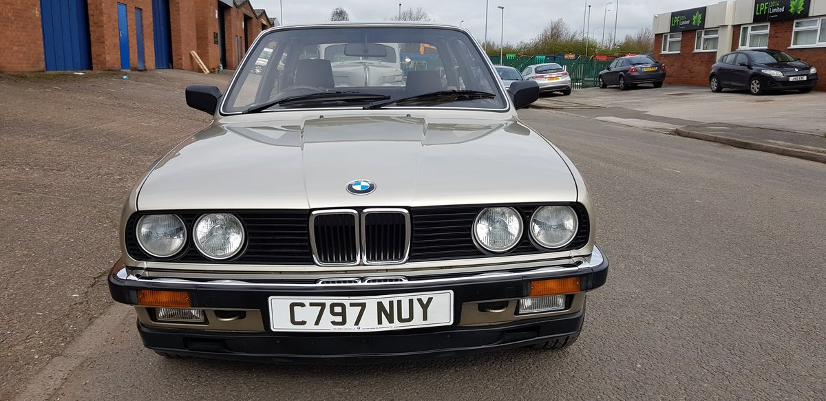 1985 Absolutely gorgeous BMW Auto 323i For Sale (picture 3 of 6)