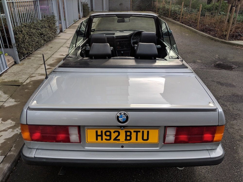 1990 E30 320i Convertible in Silver For Sale (picture 4 of 6)