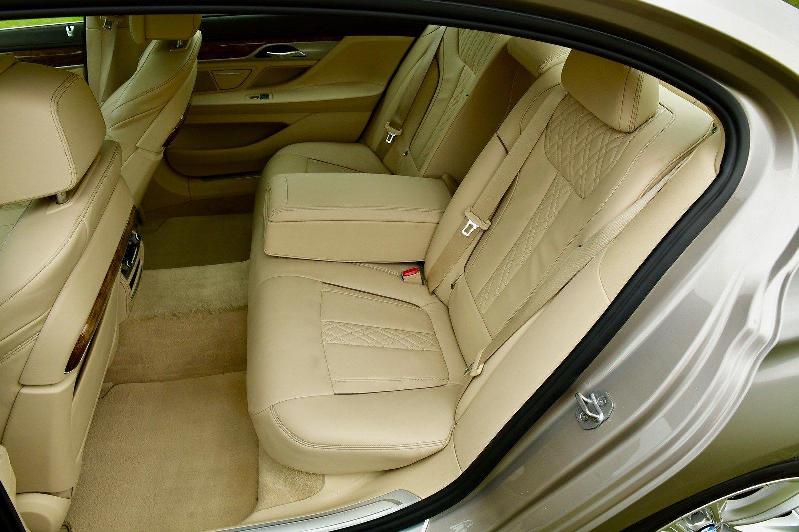 2016 BMW 7 Series Twin Turbo  740Li LWB Saloon 4dr Petrol  SOLD (picture 5 of 6)