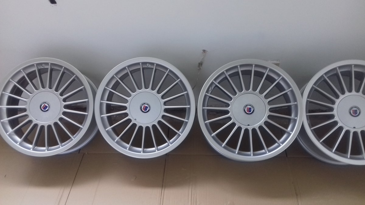 E36 BMW 325i  HEADLAMPS/E39 BMW ALLOY WHEELS For Sale (picture 6 of 6)