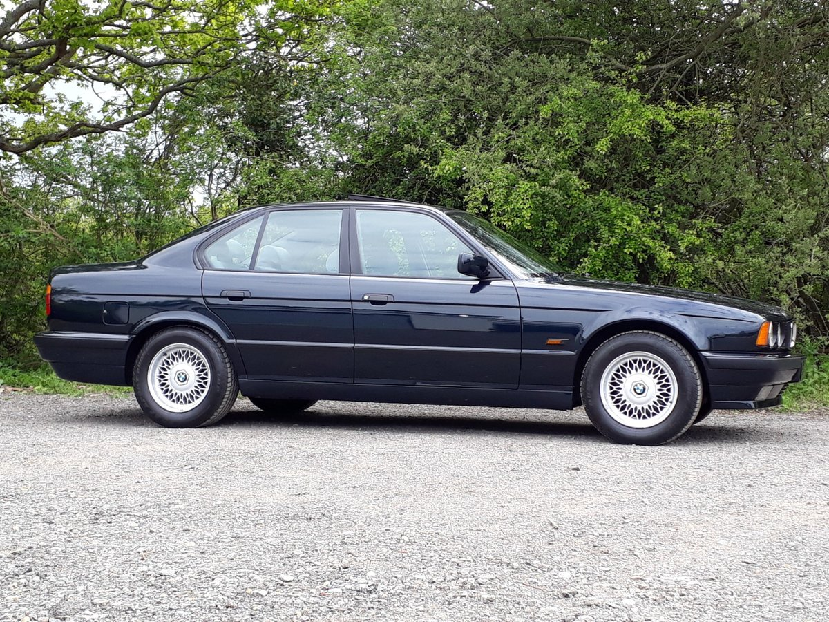 CONCOURS 1995 BMW 520i SE-24V VIRTUALLY AS-NEW! For Sale (picture 2 of 6)