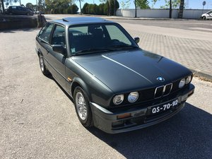 1989 Bmw E30 320is