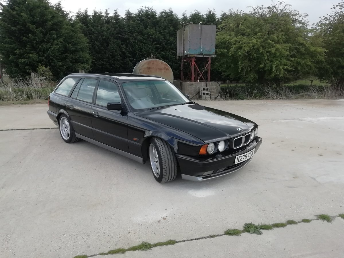1996 UK RHD E34 M5 Touring SOLD (picture 2 of 6)