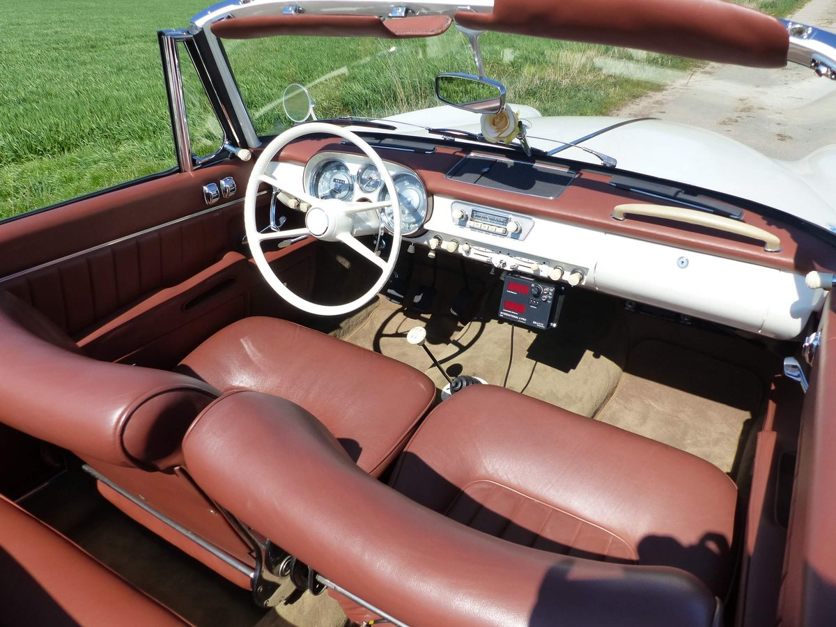 1958 Beautiful 503 Convertible in restored condition ! For Sale (picture 3 of 6)