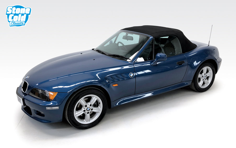 1999 BMW Z3 2.0 Roadster with just 15,400 miles! SOLD (picture 3 of 6)