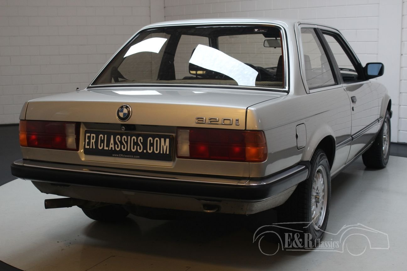 BMW 320i E30 Coupe 1983 only 127,523 km Original Dutch For Sale (picture 6 of 6)