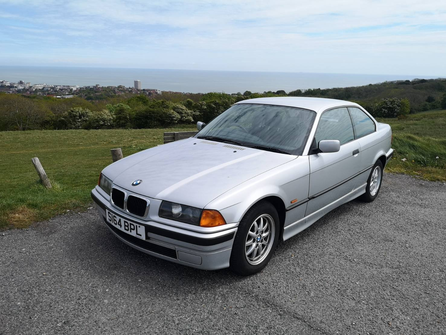 1998 BMW 318is Coupe Auto SOLD (picture 2 of 6)