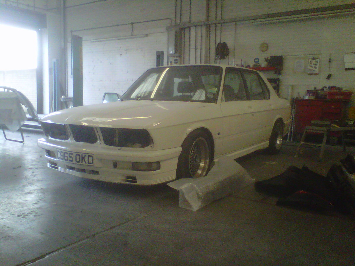1985 BMW e28, White 1986 manual m535i SOLD (picture 4 of 6)