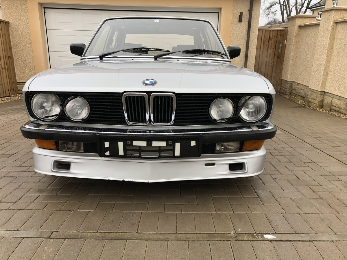 1986 E28 BMW 528i SE Manual SOLD (picture 3 of 6)