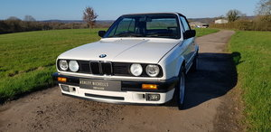 1993 BMW E30 318i LUX - LOW MILEAGE - ATTENTIVELY MAINTAINED