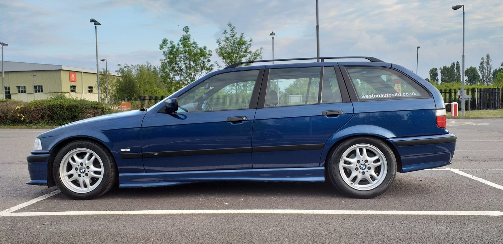 1999 BMW e36 Touring M Sport Avus Blue 73k For Sale (picture 6 of 6)