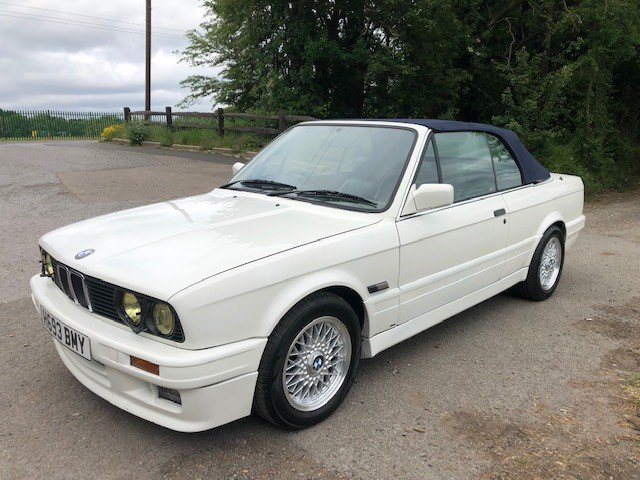 BMW E30 325i Convertible 1991 For Sale (picture 3 of 6)