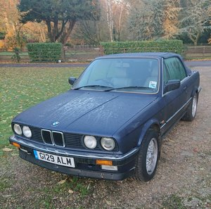 1990 BMW E30 320i Convertible Auto Royalblau Metalic