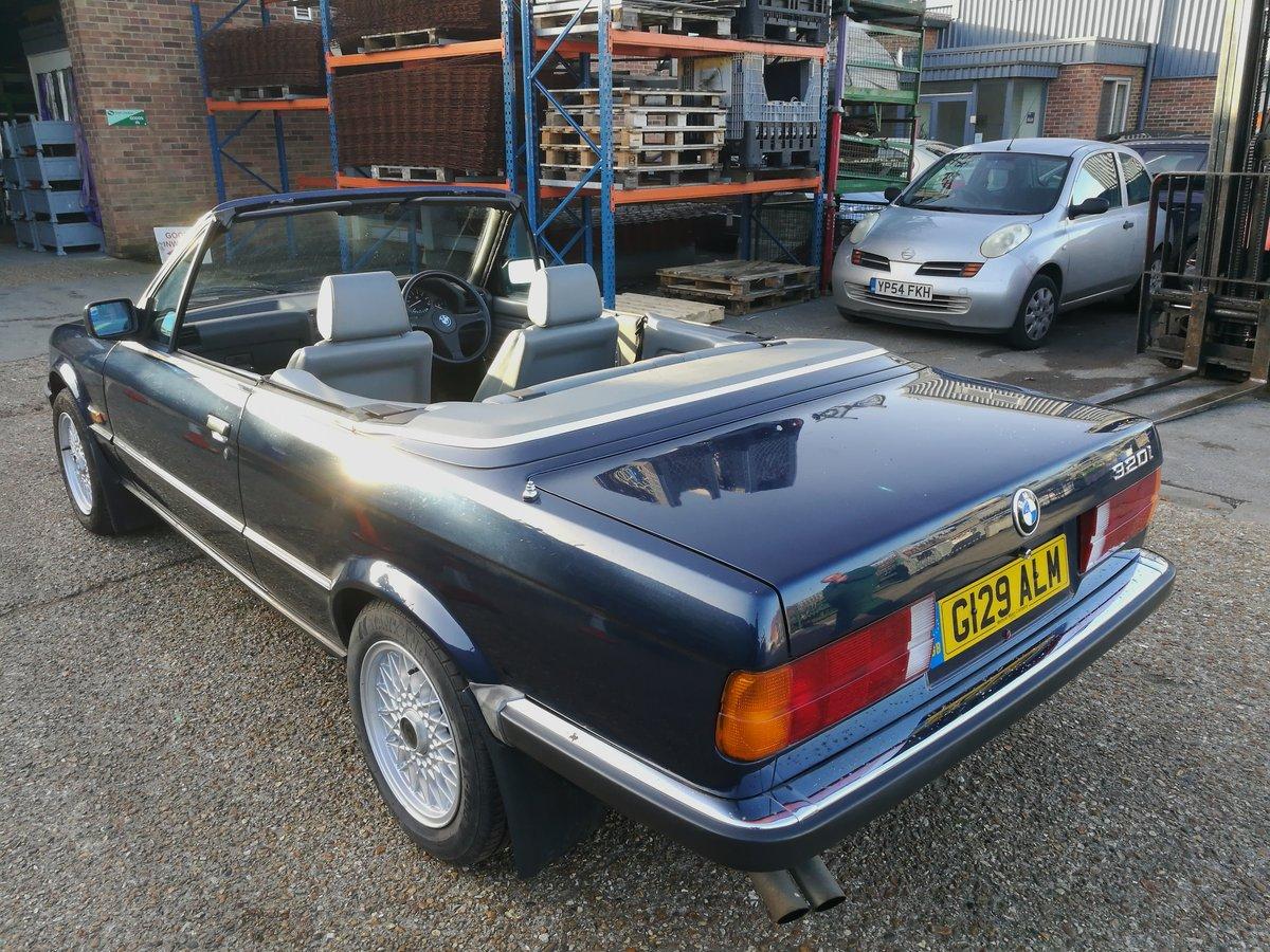 1990 BMW E30 320i Convertible Auto Royalblau Metalic For Sale (picture 3 of 6)