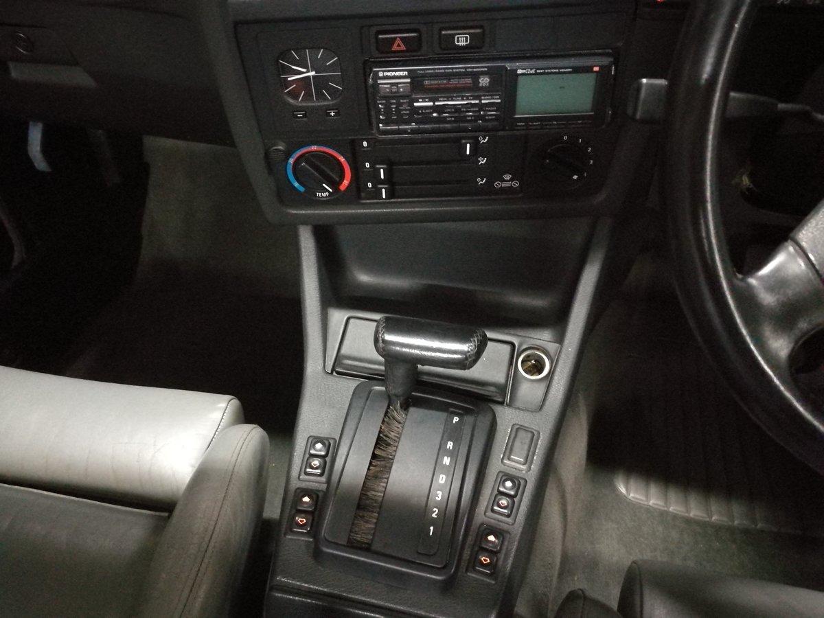 1990 BMW E30 320i Convertible Auto Royalblau Metalic For Sale (picture 5 of 6)