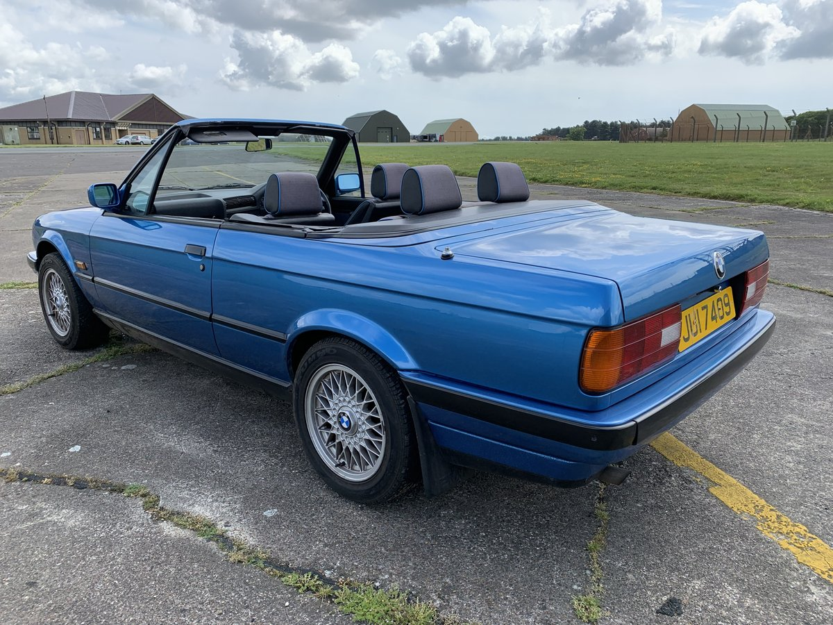 1991 BMW 318 E30 Cabriolet Convertible For Sale (picture 2 of 6)