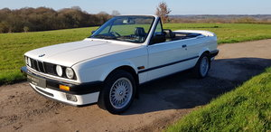 1993 BMW E30 318i LUX - LOW MILEAGE - ATTENTIVELY MAINTAINED  For Sale