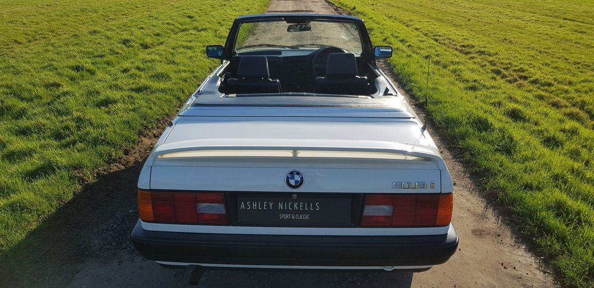 1993 BMW E30 318i LUX - LOW MILEAGE - ATTENTIVELY MAINTAINED  For Sale (picture 3 of 6)