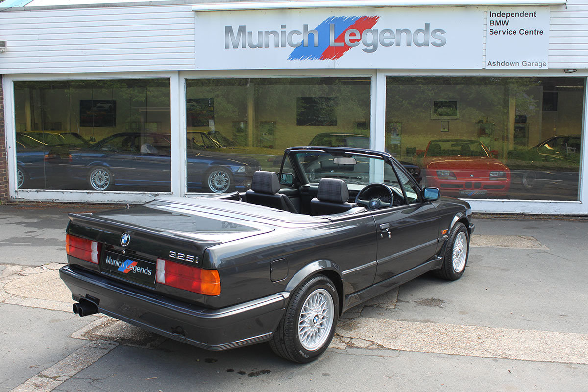 1990 BMW E30 325i Convertible For Sale (picture 4 of 6)