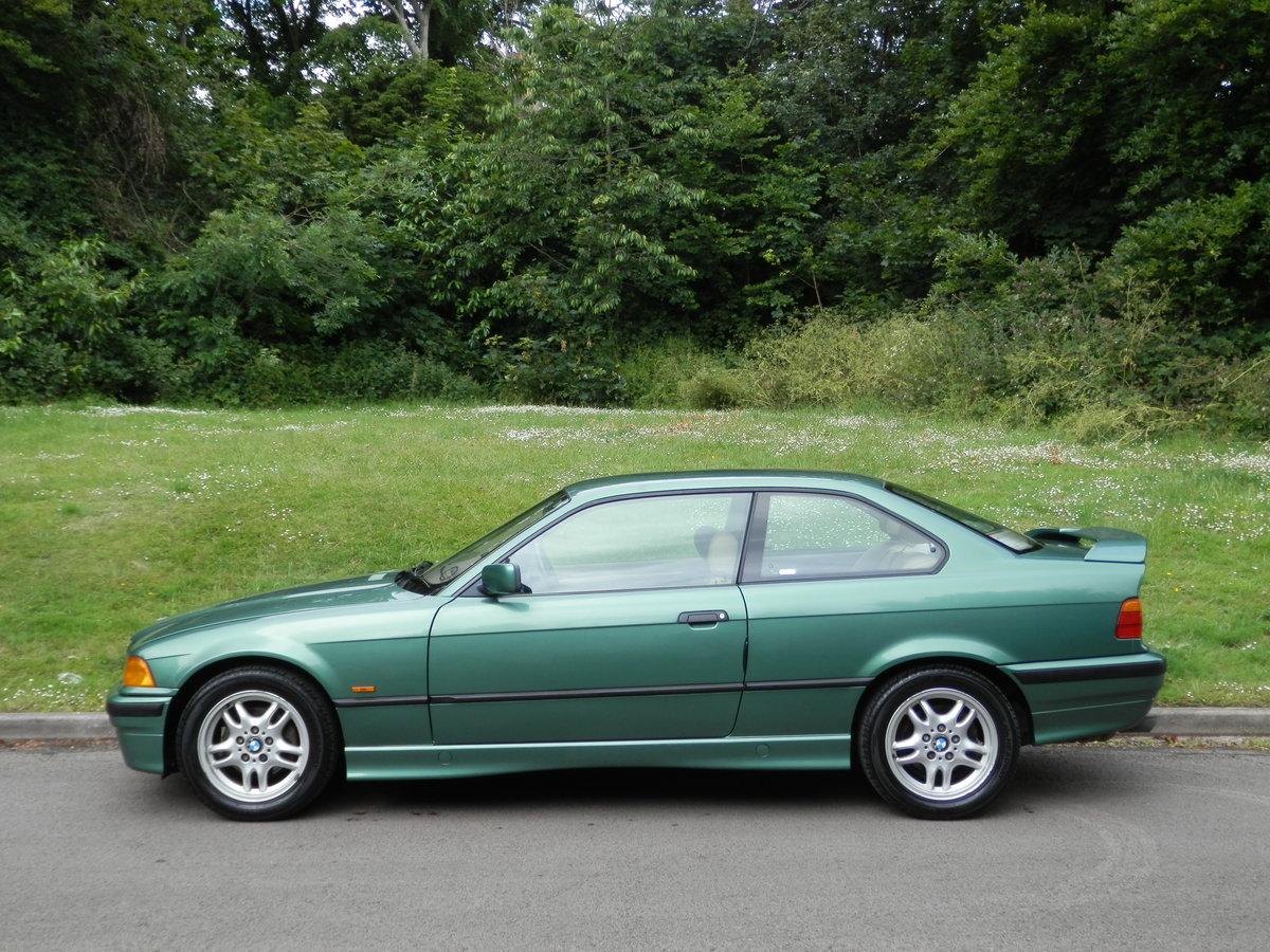 BMW E36.. 318iS AUTO COUPE.. RARE COLOUR.. M-TECH SUSPENSION For Sale (picture 1 of 6)