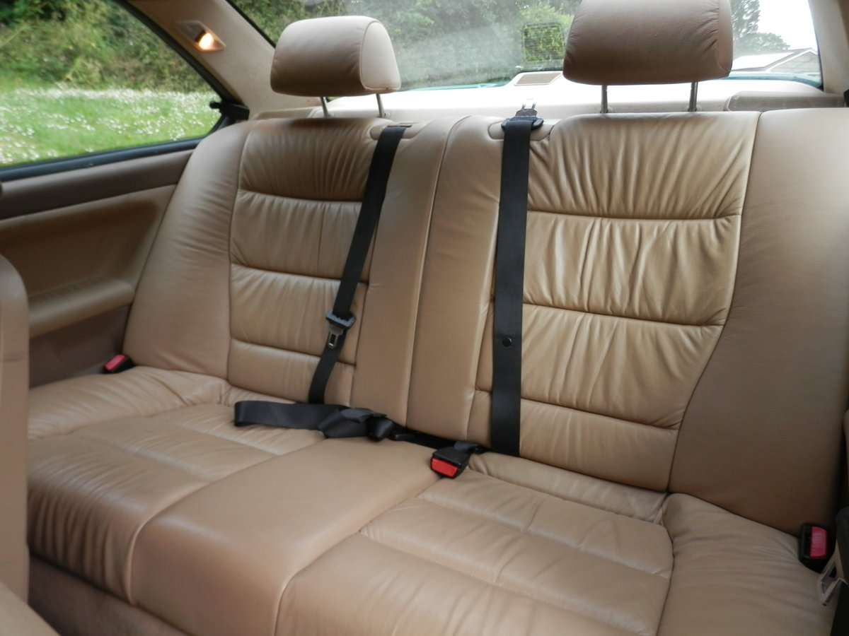 BMW E36.. 318iS AUTO COUPE.. RARE COLOUR.. M-TECH SUSPENSION For Sale (picture 4 of 6)