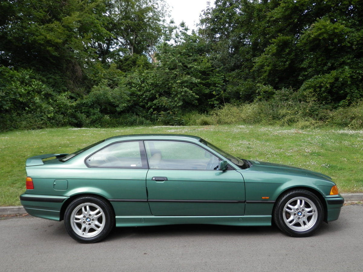 BMW E36.. 318iS AUTO COUPE.. RARE COLOUR.. M-TECH SUSPENSION For Sale (picture 6 of 6)